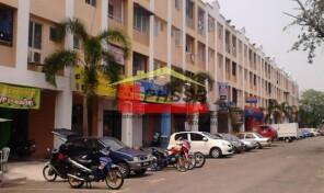 Kedai di Pangsapuri Kampung Raja Uda (KRU), Pelabuhan Klang